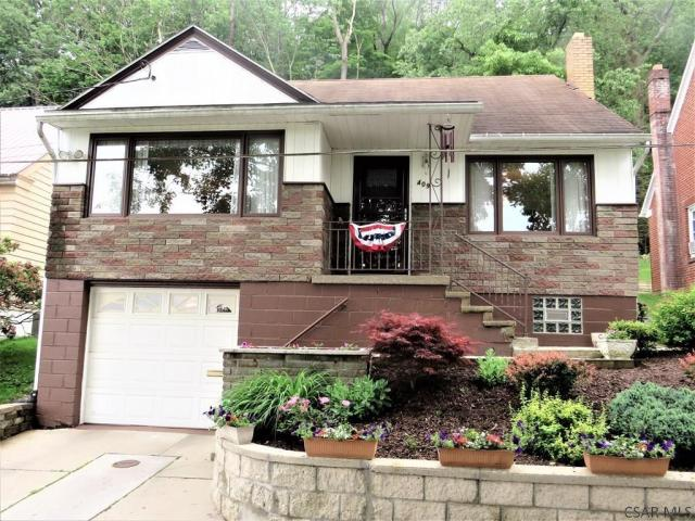 Garage featured at 409 Yeoman St, Johnstown, PA 15906