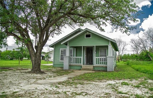 House view featured at 605 W Huisache Ave, Kingsville, TX 78363
