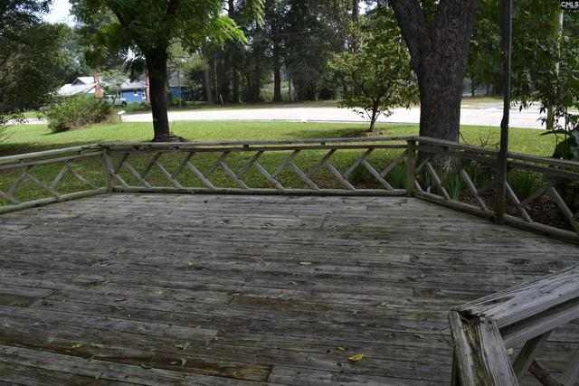Porch yard featured at 956 N Edisto Rd, Leesville, SC 29070