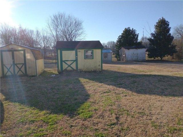 Yard featured at 513 Main St W, Waverly, VA 23890