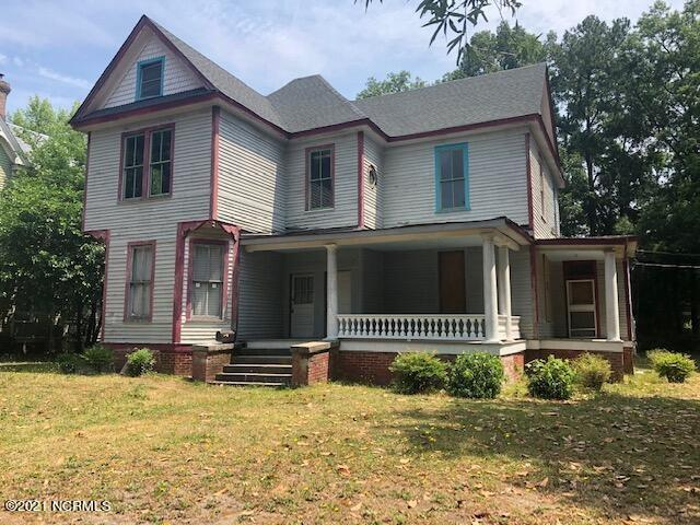 House view featured at 300 Vance St NE, Wilson, NC 27893