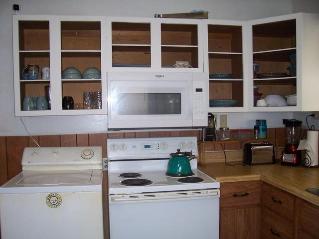 Kitchen featured at 625 Thornton Ave, Clifton Forge, VA 24422
