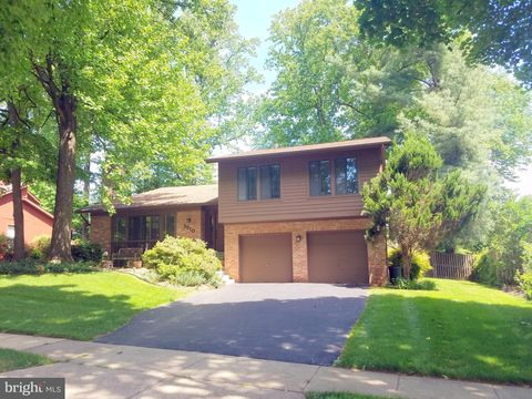 Photo Of 2510 Oakenshield Dr Potomac Md 20854