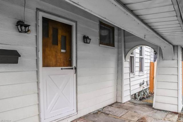 Porch featured at 921 Greenfield Ave SW, Canton, OH 44706