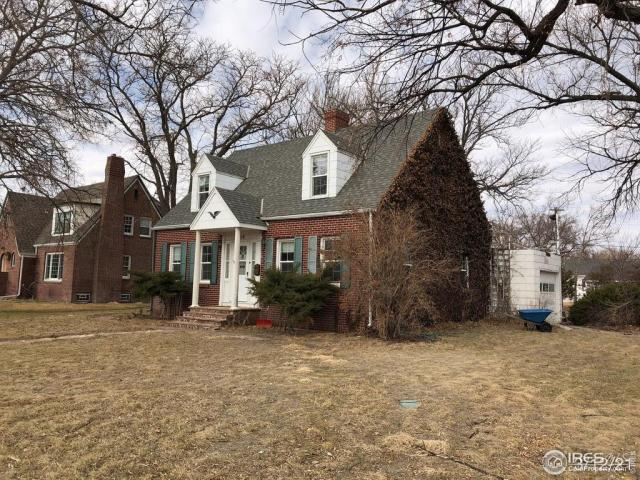 Yard featured at 310 W 6th St, Julesburg, CO 80737