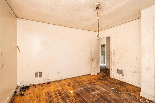 Property featured at 17194 Runyon St, Detroit, MI 48234