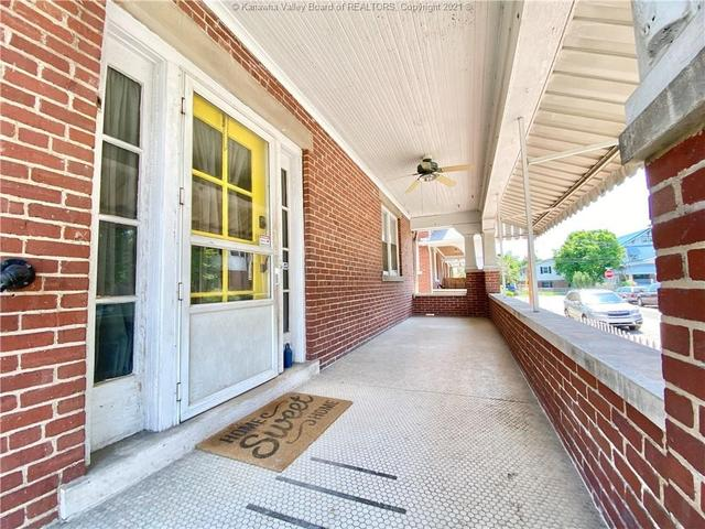 Porch featured at 1572 Dixie St, Charleston, WV 25311