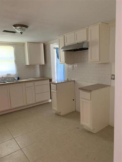 Kitchen featured at 1148 Maple Ave, Port Arthur, TX 77640