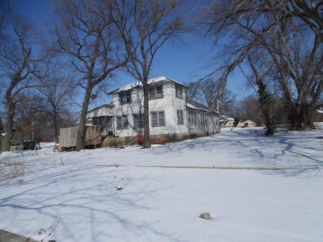 Farm land featured at 3479 W Main St, Independence, KS 67301