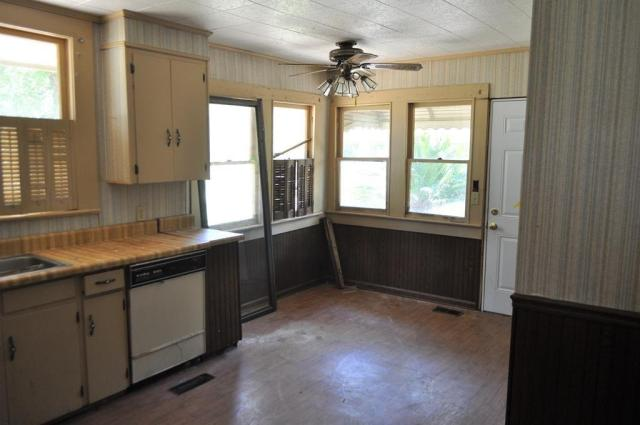 Kitchen featured at 404 W Sultana Dr, Fitzgerald, GA 31750