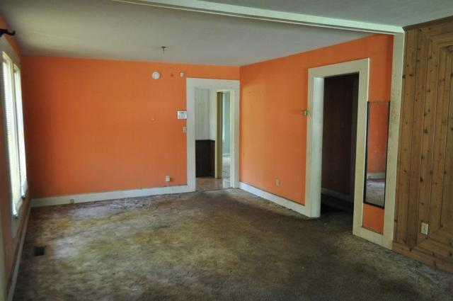 Bedroom featured at 404 W Sultana Dr, Fitzgerald, GA 31750