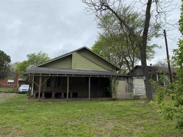 Farm land featured at 111 S High St, Henderson, TX 75654
