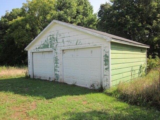 Garage featured at 8449 Museville Rd, Sandy Level, VA 24161