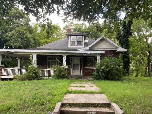 731 S 5th St, Independence, KS 67301