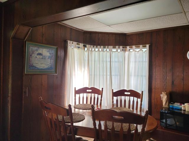 Dining room featured at 4400 Bergdolt Rd, Evansville, IN 47711