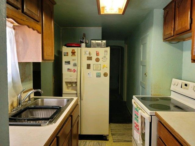 Kitchen featured at 4400 Bergdolt Rd, Evansville, IN 47711