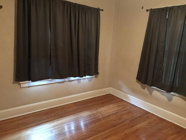 Bedroom featured at 309 Churchill St, Rockford, IL 61103