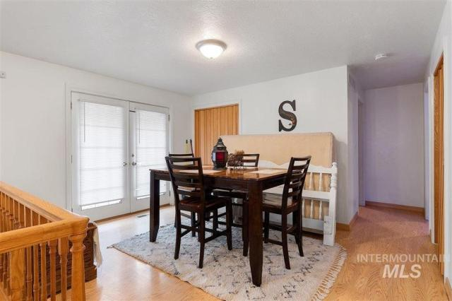Dining room featured at 1900 E Deer Flat Rd, Kuna, ID 83634