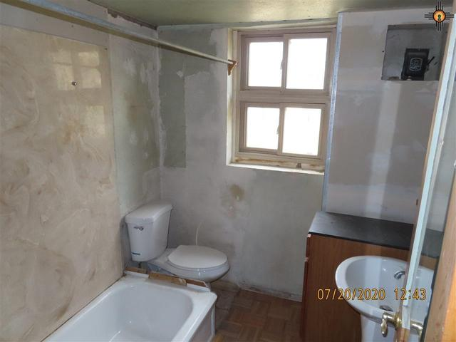 Bathroom featured at 125 Cubero Loop, Grants, NM 87014