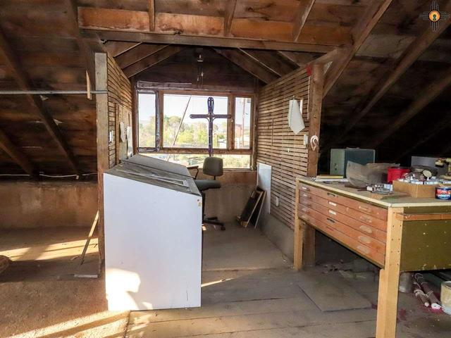 Kitchen featured at 125 Cubero Loop, Grants, NM 87014