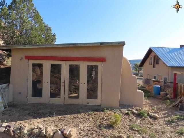Porch yard featured at 125 Cubero Loop, Grants, NM 87014