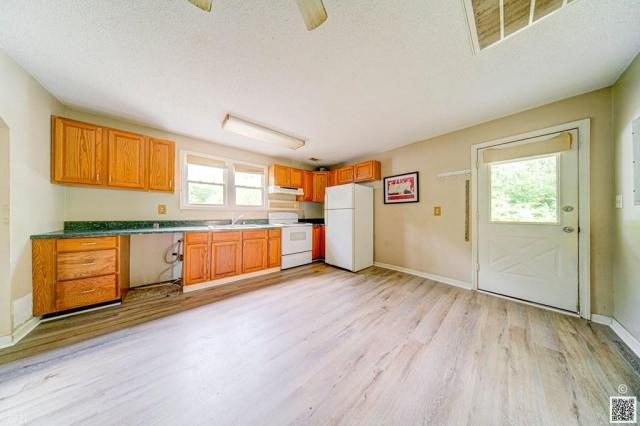 Laundry room featured at 4420 Augusta Rd, Beech Island, SC 29842