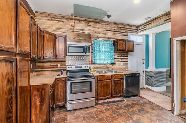 Kitchen featured at 88 Willow Lenoxburg Rd, Brooksville, KY 41004