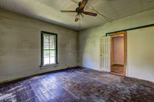 Bedroom featured at 453 Folk Ave, Woodbury, GA 30293