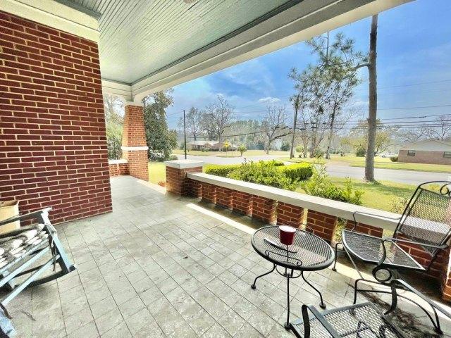 Porch yard featured at 17234 S Highland Ave, Arlington, GA 39813
