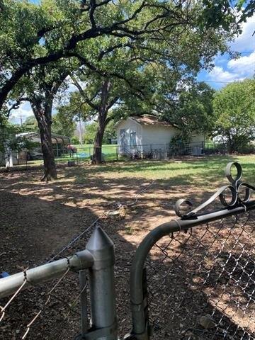 Yard featured at 703 E 23rd St, Cisco, TX 76437