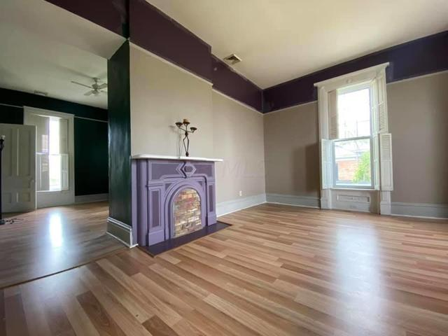 Living room featured at 325 Cherry St, Washington Court House, OH 43160