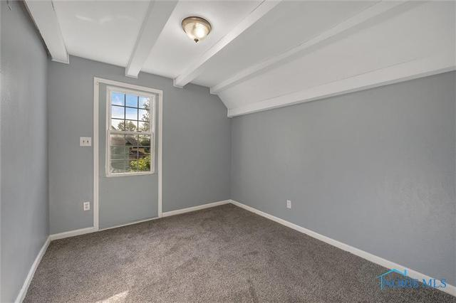 Bedroom featured at 647 Federal St, Toledo, OH 43605