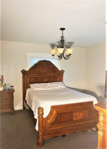 Bedroom featured at 1284 Dietzen Ave, Dayton, OH 45417