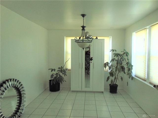 Laundry room featured at 1284 Dietzen Ave, Dayton, OH 45417