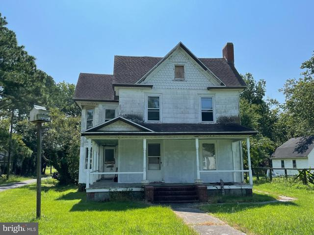 House view featured at 3349 Sackertown Rd, Crisfield, MD 21817
