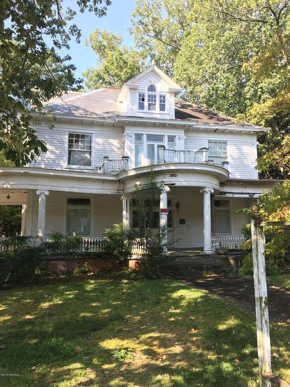 House view featured at 601 Nash St W, Wilson, NC 27893