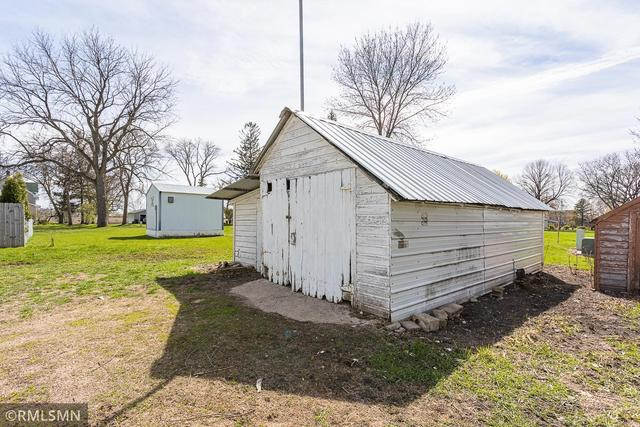 Farm land featured at 308 S Redwood St, Winthrop, MN 55396