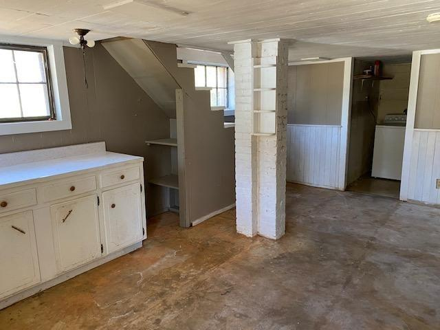 Kitchen featured at 408 W Green St, Marion, AL 36756