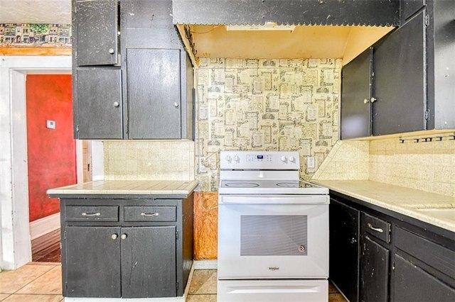 Kitchen featured at 411 E Catalpa St, Lexington, OK 73051