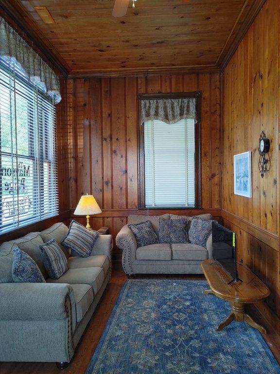 Living room featured at 29344 Horsey Rd, Oak Hall, VA 23416