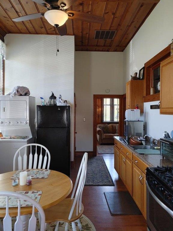 Kitchen featured at 29344 Horsey Rd, Oak Hall, VA 23416