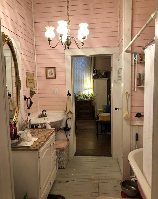 Laundry room featured at 93 E Pine St, Pachuta, MS 39347