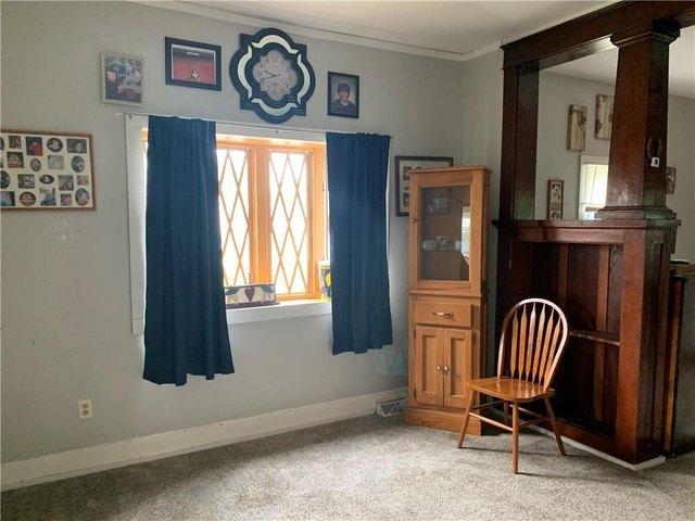 Bedroom featured at 501 N Walnut St, Creston, IA 50801