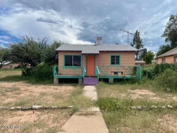 House view featured at 145 W 5th St, Benson, AZ 85602
