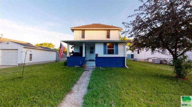 House view featured at 115 E Linn St, Cherokee, IA 51012