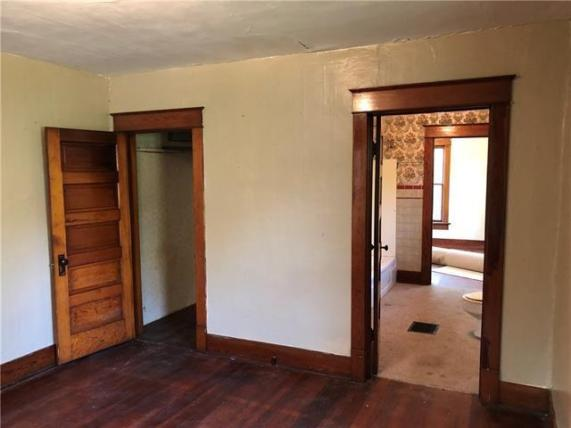 Property featured at 126 E 5th St, Trenton, MO 64683