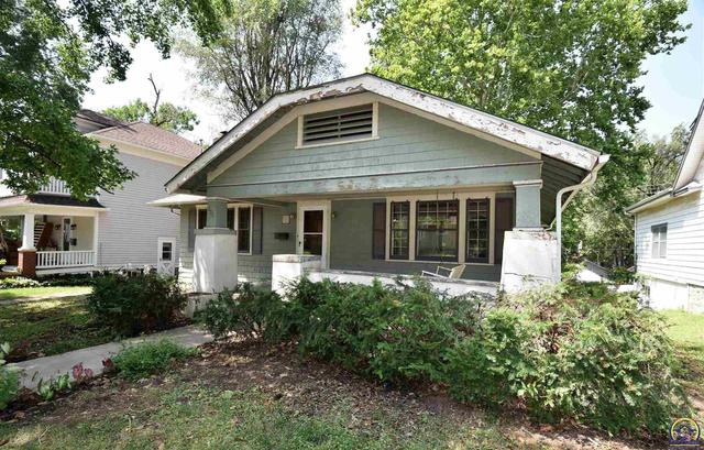 House view featured at 205 NW Elmwood Ave, Topeka, KS 66606