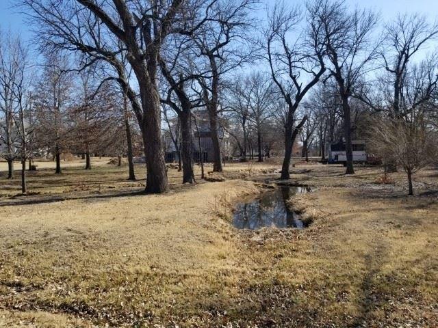 Farm land featured at 444 E Randolph St, Howard, KS 67349