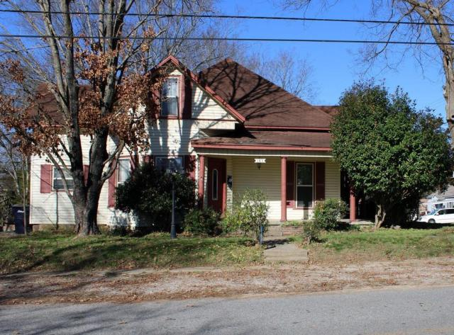 House view featured at 163 E Carter St, Batesville, AR 72501