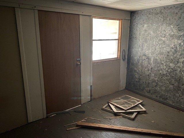Laundry room featured at 145 Cedar Branch Rd, Saltville, VA 24370